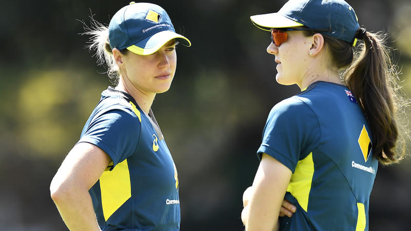 Ellyse Perry and Annabel Sutherland, pictured here at an Australian Women's T20 training session.
