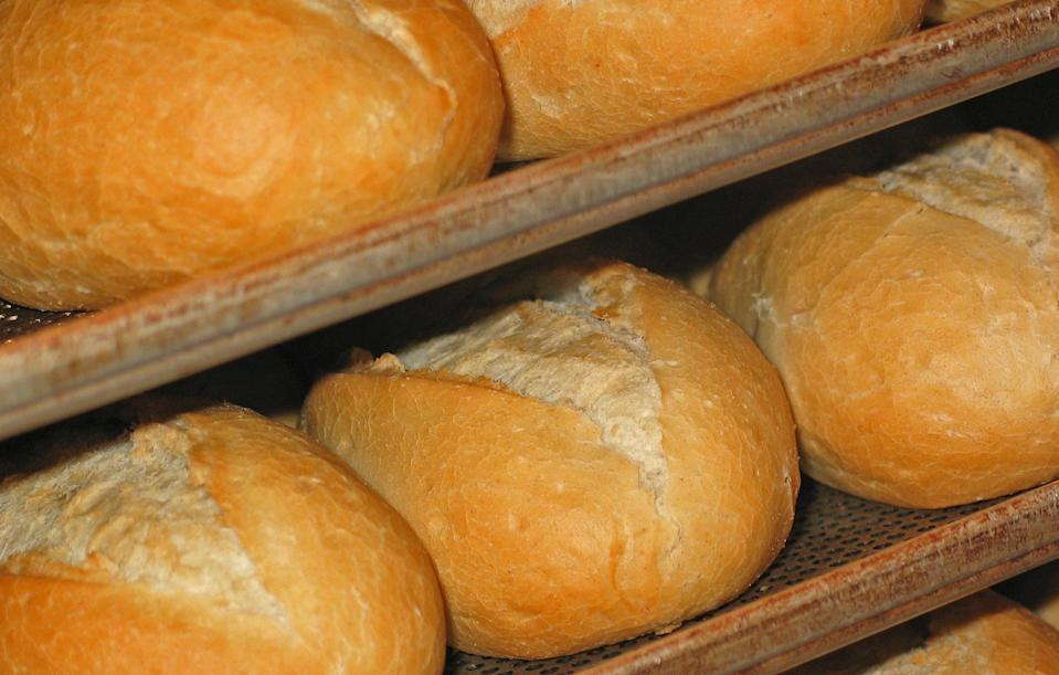 <p>Some breads have over 0.3g of sodium per slice. We don't know about you but we tend to have at least two slices when we're eating bread (maybe four on a really bad day). Watch out with this one.<br><i>[Photo: Getty]</i> </p>