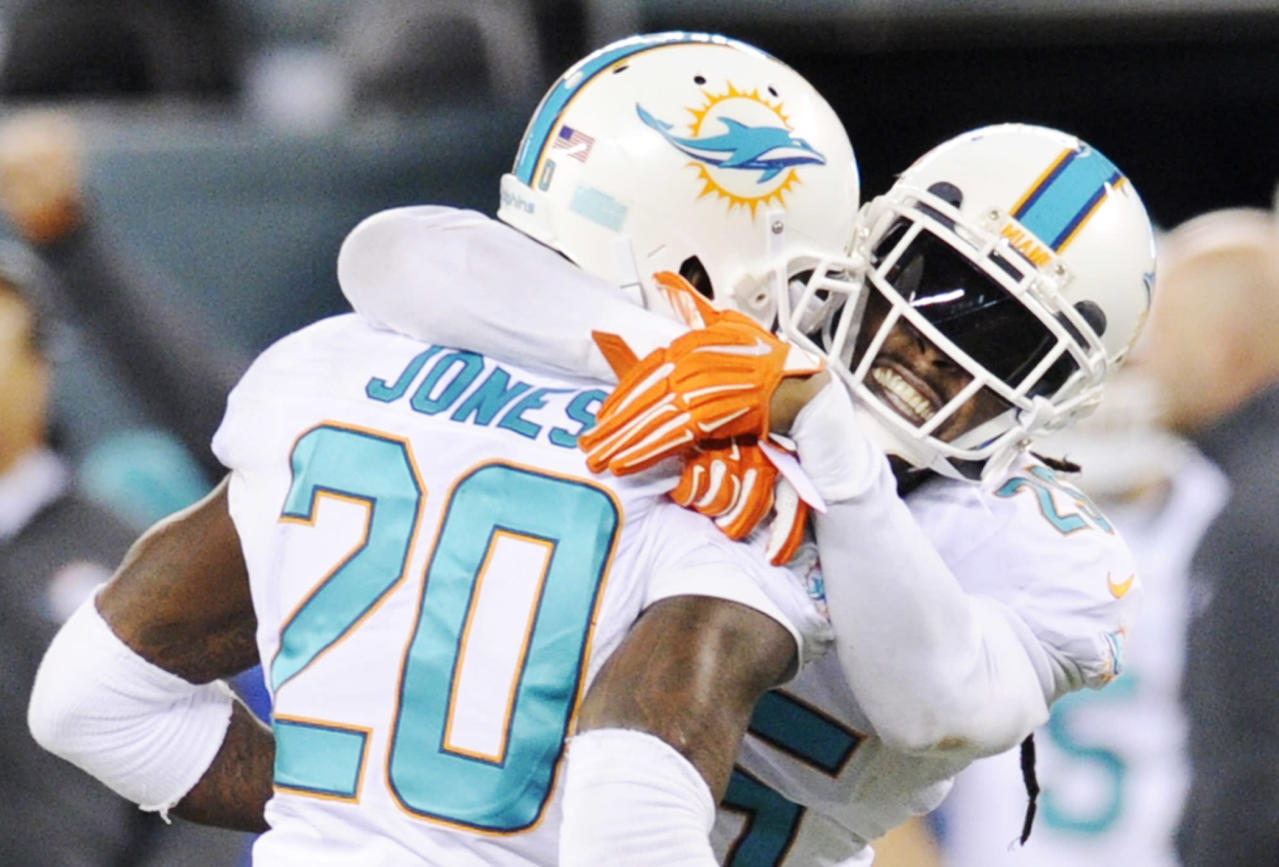 Dolphins rally, beat Jets 16-13 on late field goal