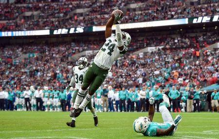 Jets cornerback Revis turns self in following fight claims