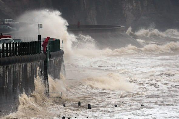 hurricane gonzalo to hit UK bringing gale force winds and travel disruption