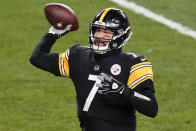 Pittsburgh Steelers quarterback Ben Roethlisberger (7) throws a pass during the first half of an NFL football game against the Washington Football Team, Monday, Dec. 7, 2020, in Pittsburgh. (AP Photo/Keith Srakocic)
