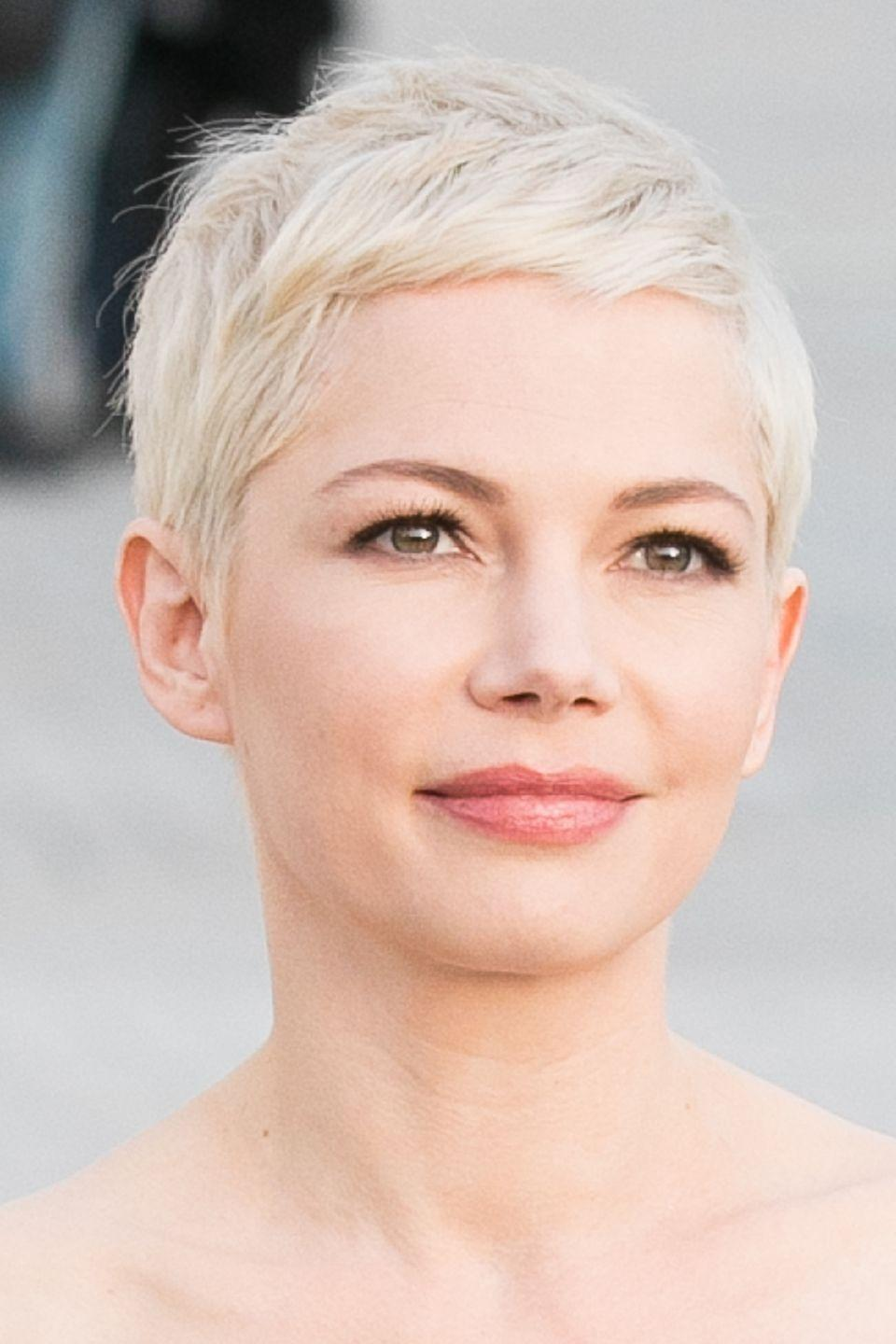 <p>The actress sported an icy white platinum blonde pixie crop.</p>