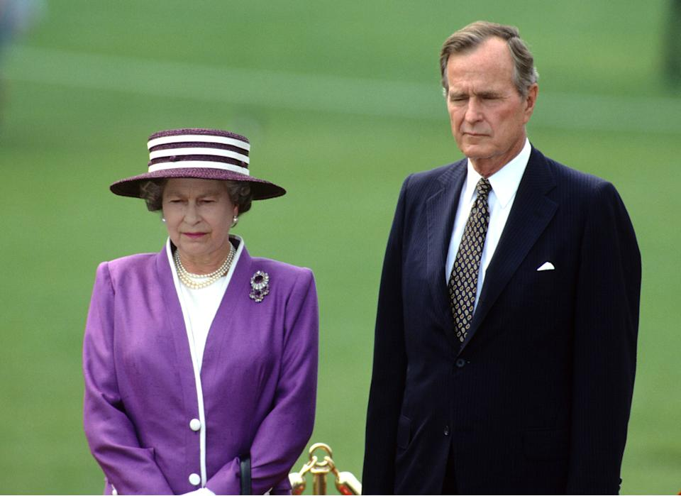 Queen Elizabeth ll with US President George Bush Snr. on the White House lawn in Washington DC on May 14, 1991. Photo: Anwar Hussein