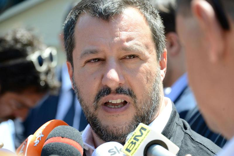 "Salvini: ""Serve premier con le palle"""