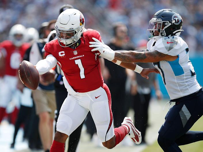 Kyler Murray completes a run against the Tennessee Titans.