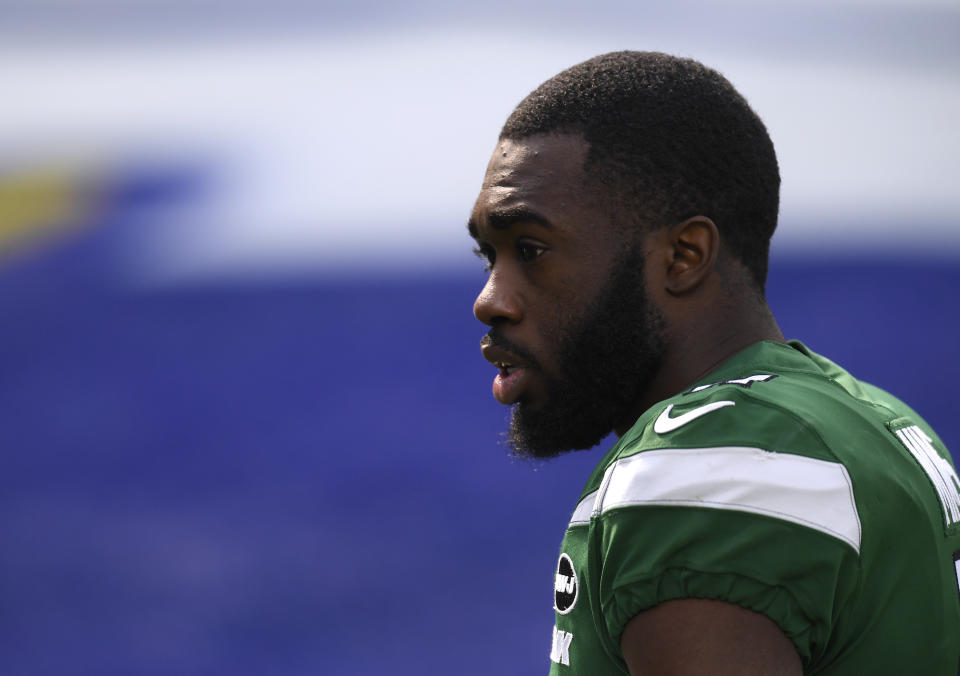 Denzel Mims #11 of the New York Jets warms up before the game against the Los Angeles Rams at SoFi Stadium on December 20, 2020 in Inglewood, California. (Photo by Harry How/Getty Images)