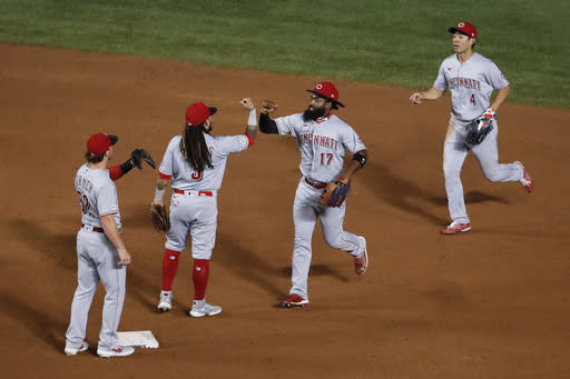 Bauer outduels Darvish as Reds blank Cubs 3-0