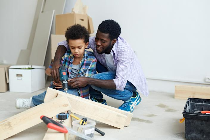 Americans spent 16.26% more on maintenance and 10.85% more on remodeling in December from a year ago, according to Austin-based information company BuildFax's report.