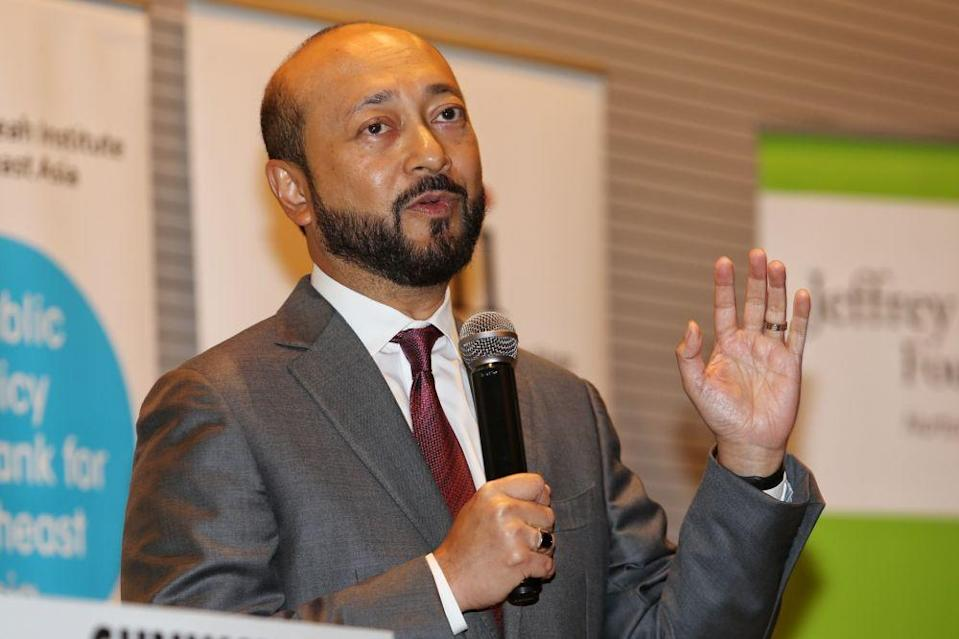 Datuk Seri Mukhriz Mahathir said the inclusion of rival MPs facing trial or with criminal convictions, or as he called it the 'court cluster', is the chief concern of the yet-to-be registered political party. — Picture by Choo Choy May
