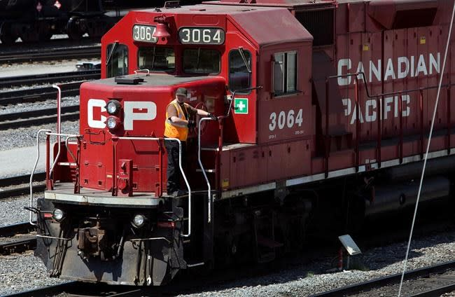 CP Rail rakes in record 2nd-quarter revenue as traffic increases