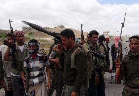 Southern People's Resistance militants loyal to Yemen's President Abd-Rabbu Mansour Hadi gather at the al-Anad air base in the country's southern province of Lahej, after seizing it March 22, 2015. REUTERS/Nabeel Quaiti