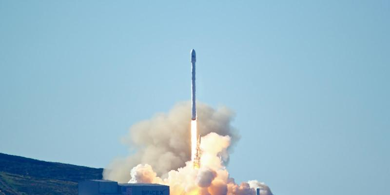 SpaceX launches ten satellites for Iridium Communications