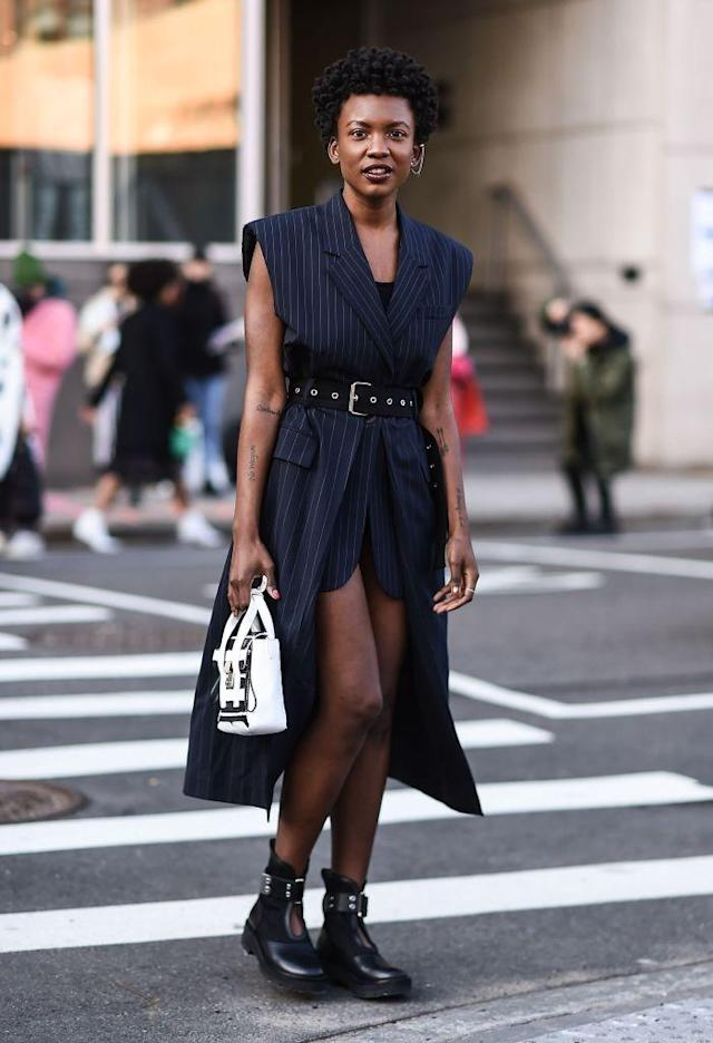 <p>Belle, of the R&B duo St. Beauty, went completely sleevless for her stroll in the NYC streets. (Photo: Getty Images) </p>
