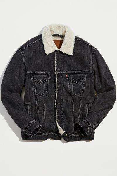 """<p><strong>Levi's</strong></p><p>urbanoutfitters.com</p><p><strong>$129.00</strong></p><p><a href=""""https://go.redirectingat.com?id=74968X1596630&url=https%3A%2F%2Fwww.urbanoutfitters.com%2Fshop%2Flevis-vintage-fit-sherpa-lined-denim-jacket&sref=https%3A%2F%2Fwww.menshealth.com%2Ftechnology-gear%2Fg37546941%2Fbest-gifts-for-mechanics%2F"""" rel=""""nofollow noopener"""" target=""""_blank"""" data-ylk=""""slk:BUY IT HERE"""" class=""""link rapid-noclick-resp"""">BUY IT HERE</a></p><p>Tough stuff like workwear, <a href=""""https://www.menshealth.com/style/g37131767/best-motorcycle-boots-for-men/"""" rel=""""nofollow noopener"""" target=""""_blank"""" data-ylk=""""slk:motorcycling"""" class=""""link rapid-noclick-resp"""">motorcycling</a>, and car mechanics have inspired a whole subset of cool clothes. This Levi's vintage denim jacket is tough enough to wear during cold-weather projects but stylish enough to wear out of the shop, too. </p>"""