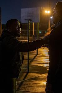 TRUE STORY (L to R) KEVIN HART as KID and WESLEY SNIPES as CARLTON in episode 102 of TRUE STORY Cr. ADAM ROSE/NETFLIX © 2021