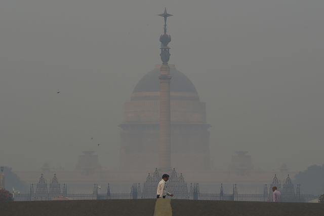 New Delhi announces plan to combat winter toxic air