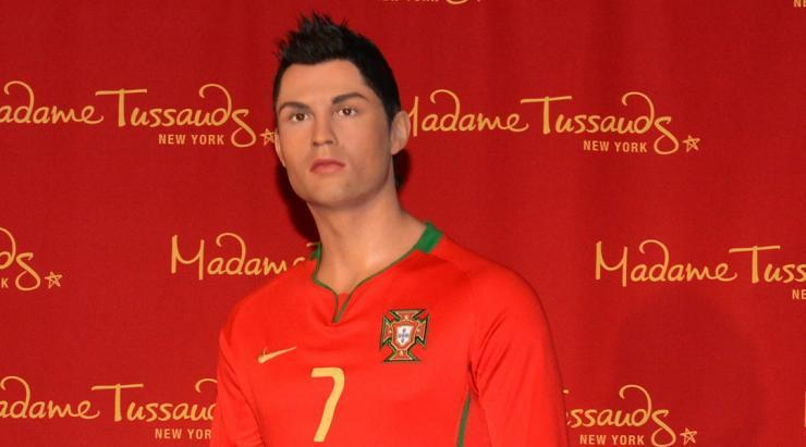 <p>Cristiano stikes a pose…. y'know, for a change.<br>Read more at </p>