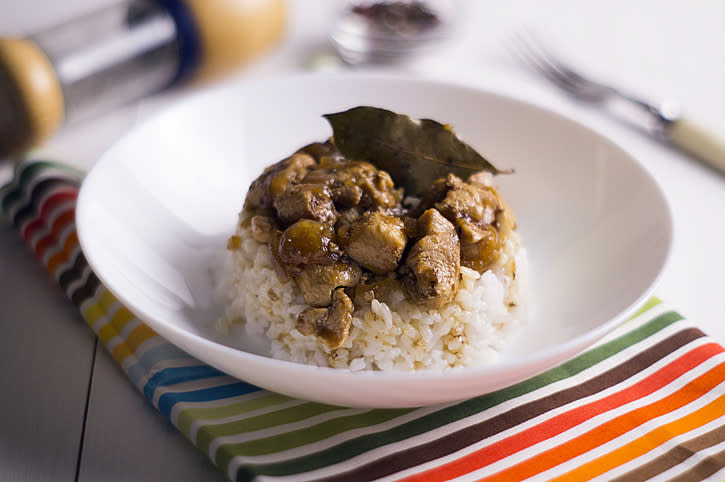 Chicken Adobo served with white rice (PHOTO: Gettyimages)