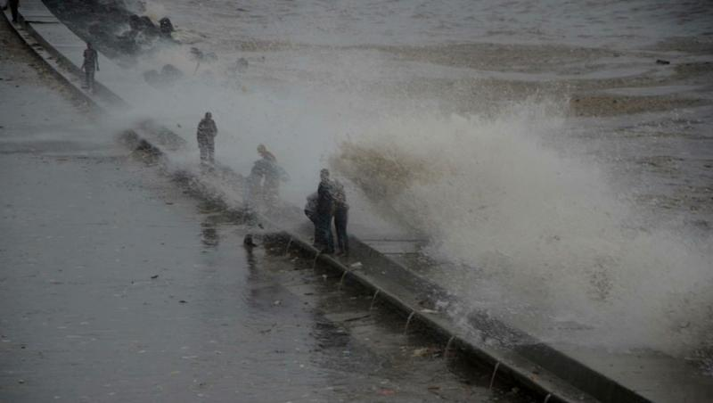 High Tide Timing in Mumbai For Today: Wave Measuring 4.52 Metres Expected at 1:43 PM Today