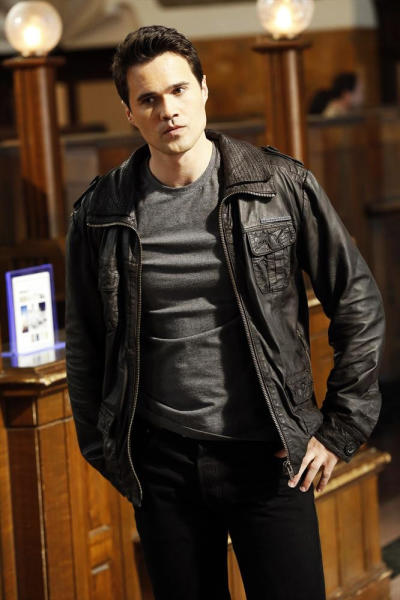 """This updated publicity photo provided by ABC shows co-star Brett Dalton in the premiere episode """"Pilot"""" for ABC's TV series, """"Marvel's Agents of S.H.I.E.L.D.,"""" co-created by Joss Whedon. The series premieres Tuesday, Sept. 24, 2013 (8:00-9:01 p.m., ET), on the ABC Television Network. (AP Photo/ABC, Justin Lubin)"""