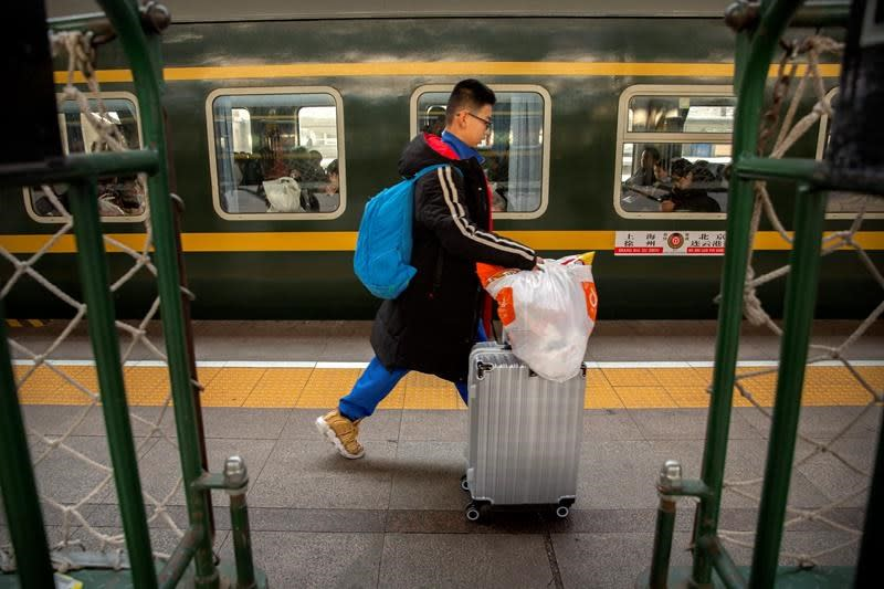 World's biggest yearly human migration begins again in China