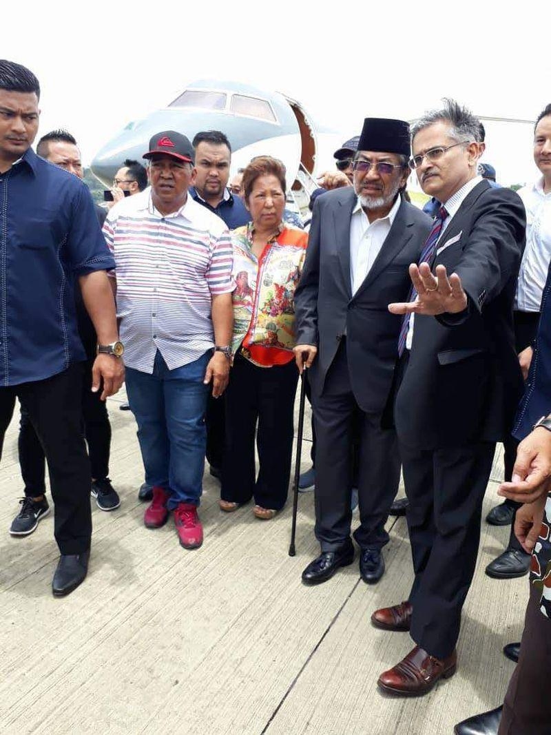 Tan Sri Musa Aman, dressed in a grey suit and black songkok, arrived in a private jet at Terminal 2 of the Kota Kinabalu International Airport, September 5, 2018.