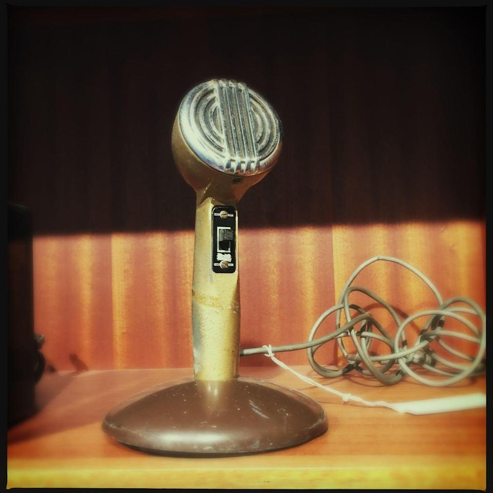 """<p>If it seems like the type of item not many people would be interested in, that's okay. Successful musicians and music producers might pay thousands for a vintage mic like the handmade <a href=""""https://go.redirectingat.com?id=74968X1596630&url=https%3A%2F%2Fwww.ebay.com%2Fitm%2FNeumann-M49-Tube-Condenser-Microphone-serial-246-hand-made-in-Germany-1951%2F193173358030%3Fhash%3Ditem2cfa0785ce%253Ag%253AoFAAAOSwL-FdsMdR&sref=https%3A%2F%2Fwww.thepioneerwoman.com%2Fjust-for-fun%2Fg36351832%2Fgarage-sale-items-antiques-worth%2F"""" rel=""""nofollow noopener"""" target=""""_blank"""" data-ylk=""""slk:Neumann M49 Tube Condenser Microphone"""" class=""""link rapid-noclick-resp"""">Neumann M49 Tube Condenser Microphone </a>from 1951. It was listed on eBay for $12,500.</p>"""