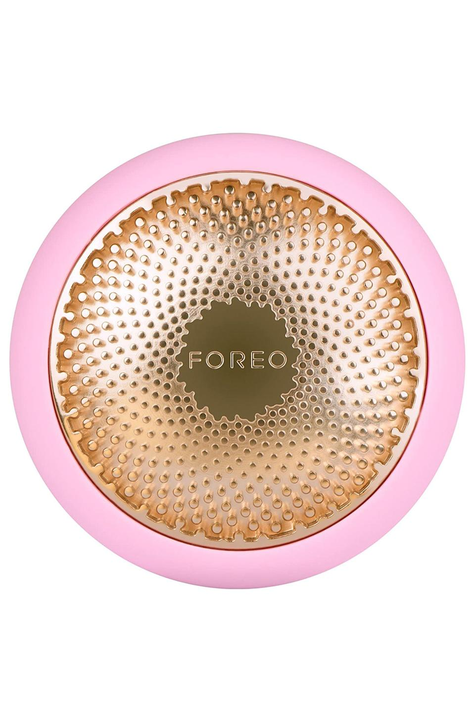 """<p><strong>Foreo</strong></p><p>sephora.com</p><p><strong>$199.00</strong></p><p><a href=""""https://go.redirectingat.com?id=74968X1596630&url=https%3A%2F%2Fwww.sephora.com%2Fproduct%2Fufo-tm-P433463&sref=https%3A%2F%2Fwww.elle.com%2Fbeauty%2Fmakeup-skin-care%2Fg33004611%2Fbest-led-masks%2F"""" rel=""""nofollow noopener"""" target=""""_blank"""" data-ylk=""""slk:Shop Now"""" class=""""link rapid-noclick-resp"""">Shop Now</a></p><p>Not your typical LED mask but it functions just the same. The Foreo UFO using hot and cold temperature settings to improve the skin in just 90 seconds. Plus, the pulsating section of the treatment feels like a spa-quality face massage. You're welcome. </p>"""