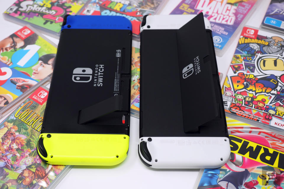 Nintendo Switch and Nintendo Switch OLED, face down