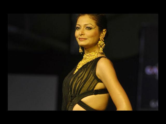 <b>13. Shonal Rawat</b><br>Miss India 2003, TV anchor and VJ – Shonal Rawat has established herself in the Indian television industry, hosting a number of shows.
