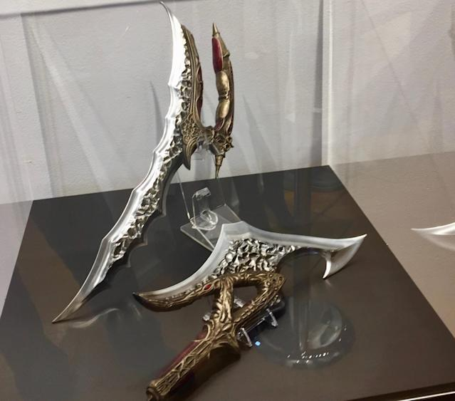 <p>A ceremonial bladed weapon of Klingon warriors used in close-quarters combat. (Photo: Marcus Errico/Yahoo TV) </p>