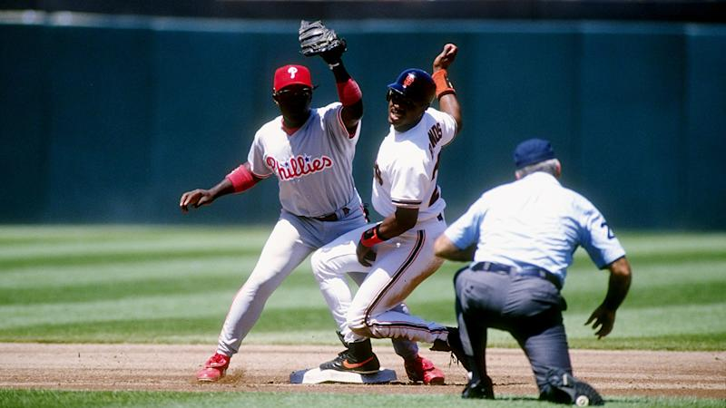 Former Phillie Kim Batiste dies at 52