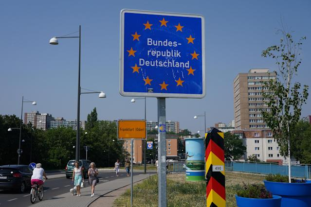 A sign marks the German border to Poland hours after Polish authorities reopened the border on 13 June. (Sean Gallup/Getty Images)