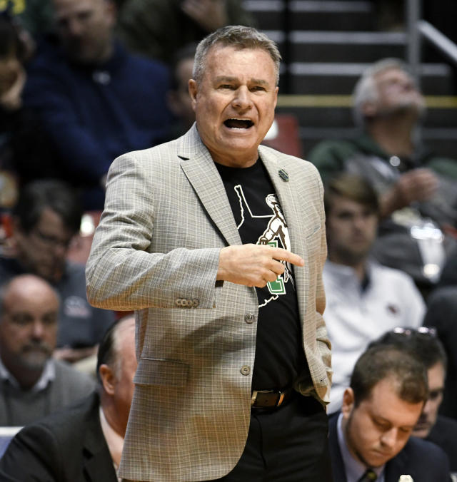 Marshall coach Dan D'Antoni reacts during the first half of the team's second-round NCAA men's college basketball tournament game against West Virginia on Sunday, March 18, 2018, in San Diego. (AP Photo/Denis Poroy)
