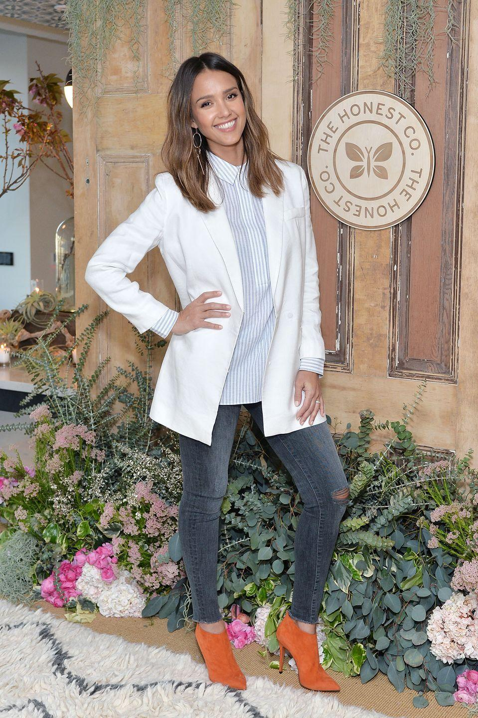 """<p>While trying to keep up between her careers as an actress and co-founder of The Honest Company, <a href=""""https://www.delish.com/kitchen-tools/kitchen-secrets/interviews/a42724/jessica-alba-diet-eating-habits/"""" rel=""""nofollow noopener"""" target=""""_blank"""" data-ylk=""""slk:Jessica Alba"""" class=""""link rapid-noclick-resp"""">Jessica Alba</a> relies on water to get her through the day. <em>But</em>, regular H20 isn't Alba's go-to. It's actually salty water (which most people hate). She says she loves adding pink Himalayan salt to her agua. </p>"""