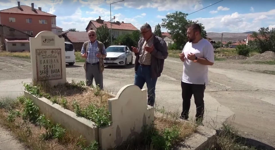 Locals often come to the grave to pray. Source: Newsflash