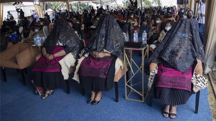"""The King""""s wives grieve during the memorial for the late Zulu monarch, King Goodwill Zwelithini at the KwaKhethomthandayo Royal Palace in Nongoma, South Africa, 18 March 2021."""