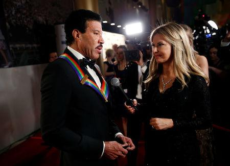 Kennedy Center Honoree singer Lionel Richie arrives for the Kennedy Center Honors in Washington, U.S., December 3, 2017.   REUTERS/Joshua Roberts