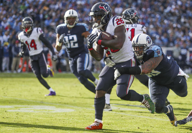 "<a class=""link rapid-noclick-resp"" href=""/nfl/players/25807/"" data-ylk=""slk:Lamar Miller"">Lamar Miller</a>, forgotten fantasy weapon. (Austin Anthony/Daily News via AP)"
