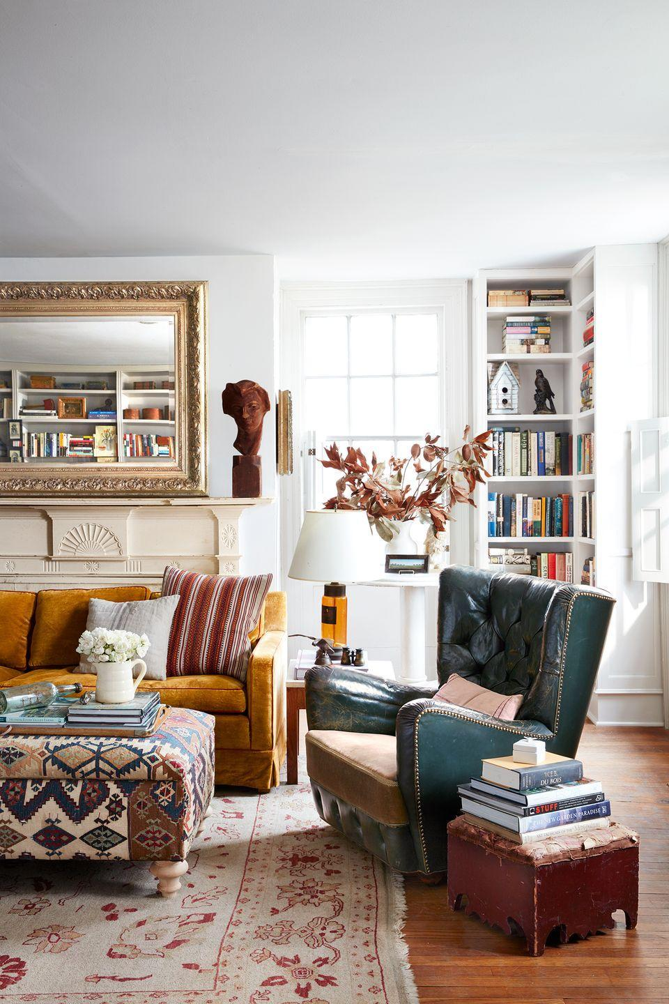 <p>Looking for a way to turn an unused corner into a conversation starter? Go for compact bookshelves, perfect for putting unique decorative accents to good use.</p>