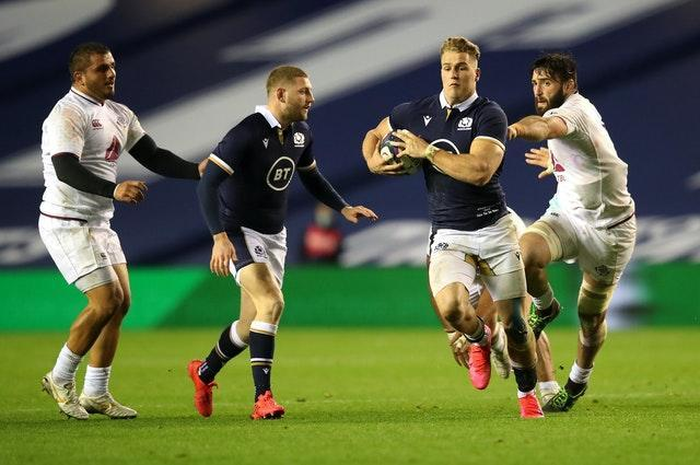 Duhan van der Merwe collects Finn Russell's pass ahead of his debut try
