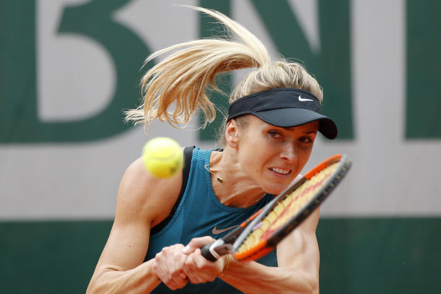 Ukraine's Elina Svitolina returns the ball to Romania's Mihaela Buzarnescu during their third round match of the French Open tennis tournament at the Roland Garros stadium, Friday, June 1, 2018 in Paris. (AP Photo/Christophe Ena)