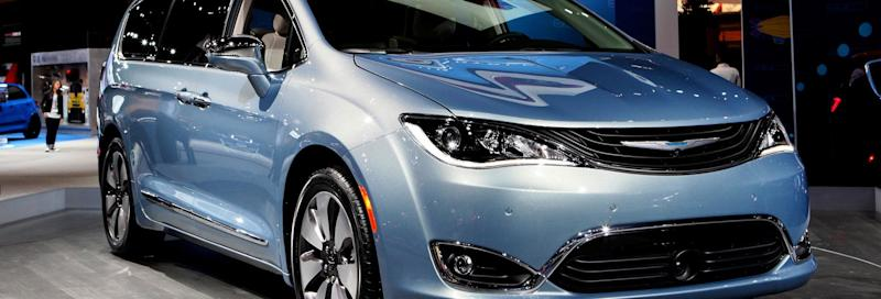 Safety Group Urges Recall Of 2017 Chrysler Pacifica Minivans Over Stalling Issue