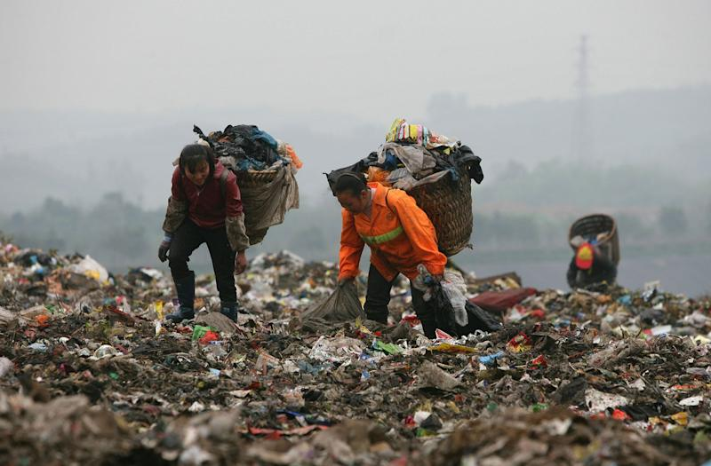 China to ban disposable plastic from cities, restaurants