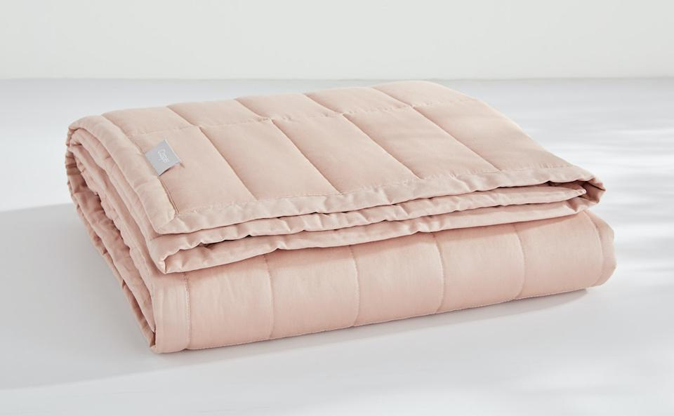 Casper Weighted Blanket. Image via Casper.