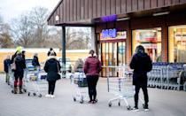 """<p>On May 18, Aldi announced that <a href=""""http://corporate.aldi.us/en/newsroom/aldi-covid-19-updates/"""" class=""""link rapid-noclick-resp"""" rel=""""nofollow noopener"""" target=""""_blank"""" data-ylk=""""slk:fully vaccinated customers no longer have to wear masks in stores"""">fully vaccinated customers no longer have to wear masks in stores</a>. On May 26, employees who are fully vaccinated will also not have to wear a face covering.</p>"""