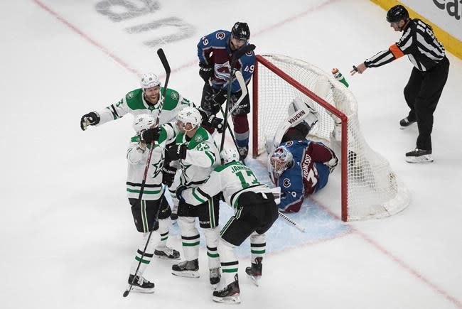 Avalanche, Flyers look to avoid deep series holes
