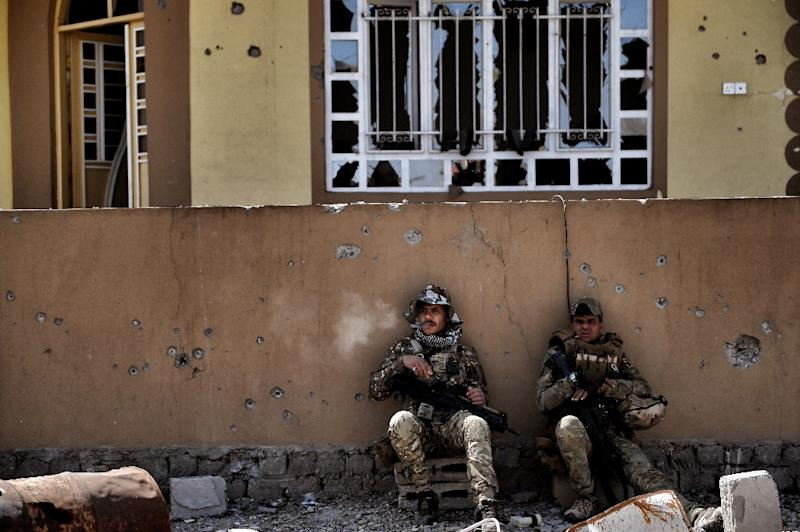 Iraqi forces in Mosul on February 26, 2017 during an operation to retake the city from Islamic State group fighters