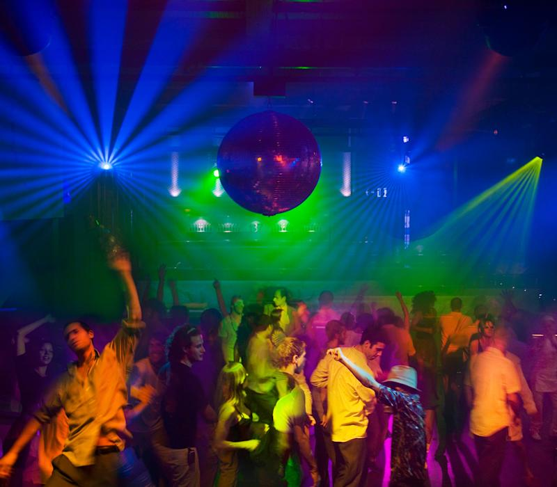 People dancing in nightclub (Photo: John M Lund Photography Inc via Getty Images)